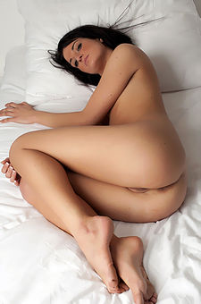 Lovely Nude Girl Spreading On Bed