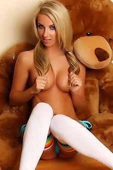 Busty Blonde Alluring Vixen Babe Aneta