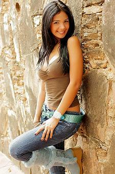 Karla Spice Rock Wall