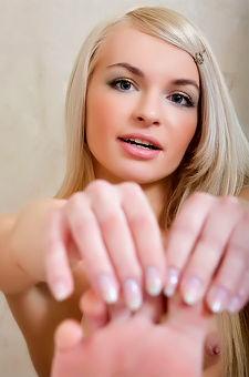 Delicious Blondie Helen F