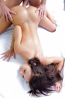 Horny Teen Gina Devine