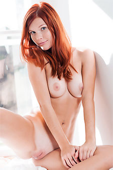 Redhead Beauty Wow Girls Model