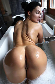 Aletta Ocean Juicy Ass