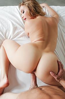 Mia Malkovas Sexy Ass