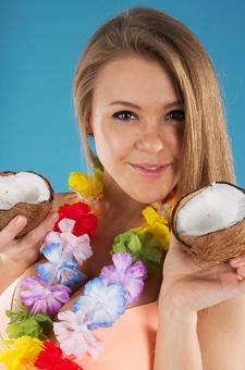 Sexy Flowery Vanea H Loves Coconut