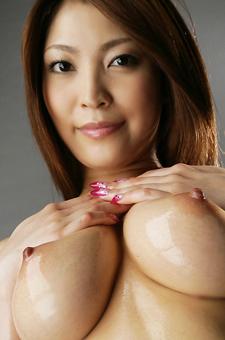Oiled Asian Beauty Sakura Kokomi