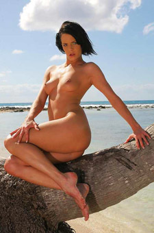 Liz Valery Hot And Nude On The Beach