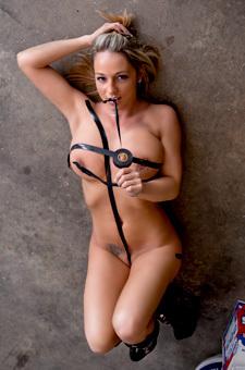 Mechanic Nikki In Leather