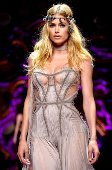 Doutzen Kroes In Beauty Light Dress