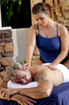Keisha Grey Giving Hot Erotic Massage