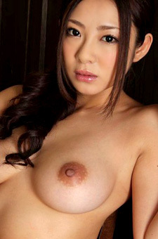 Minori Hatsune Gets Totally Nude