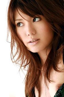 Hot Japanese Schoolgirl Shows Her Beauty