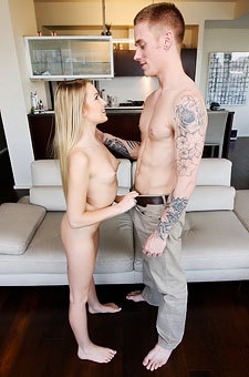 Scarlett Sage Loves The Size Of Dick