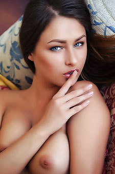 Naked Russian Beauty Yarina A