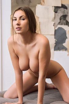 Josephine Dildoing