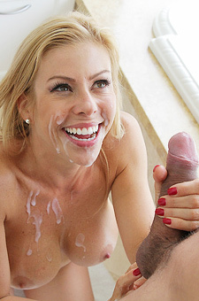 Alexis Fawx Making A Splash