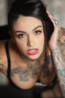 Tomboy's And Tattoos: Leigh Raven