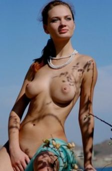 Sweet Pussy At The Seashore