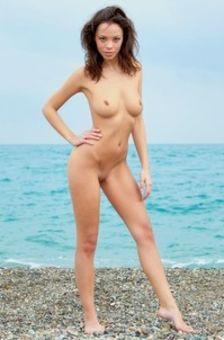 Dorothy At The Sea