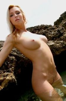 Dominika In The Sea